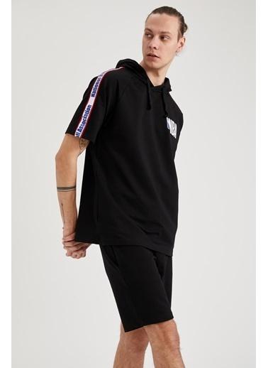 DeFacto NBA Lisanslı Regular Fit Kapüşonlu Tişört Siyah